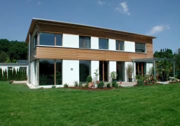 Wohnhaus mit Tierklinik in Oberösterreich